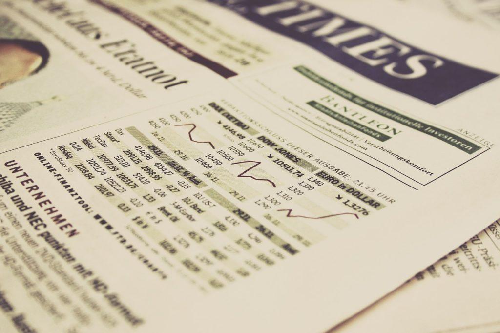 גרף מניות בעיתון